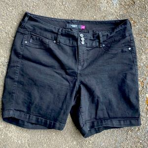 Torrid Black Shorts Size 22